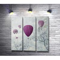 Полет воздушных фиолетовых шаров