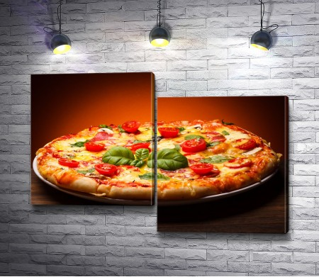 Аппетитная пицца с помидорами черри