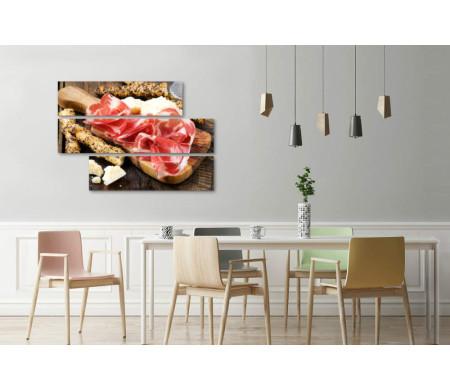 Хамон с хлебными палочками