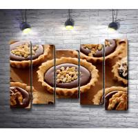 Песочные тарталетки с шоколадом и орехами