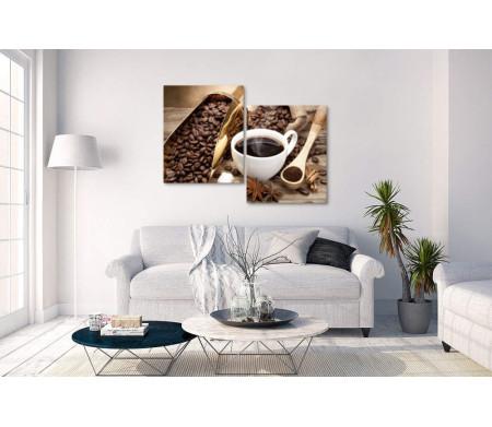 Свежесваренный эспрессо и кофейные зерна