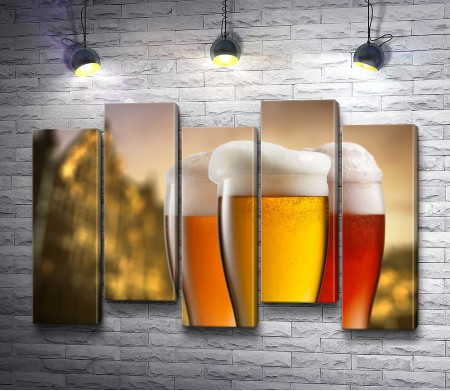 Три бокала с пивом