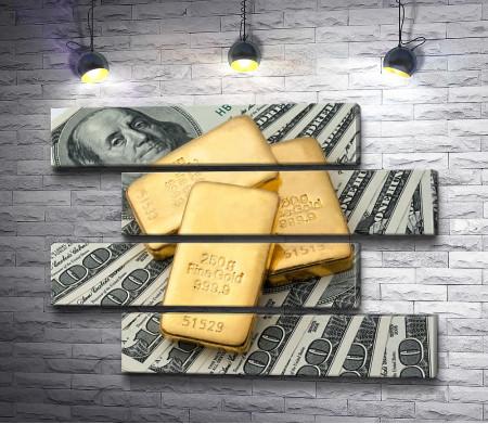 Деньги и золотые слитки