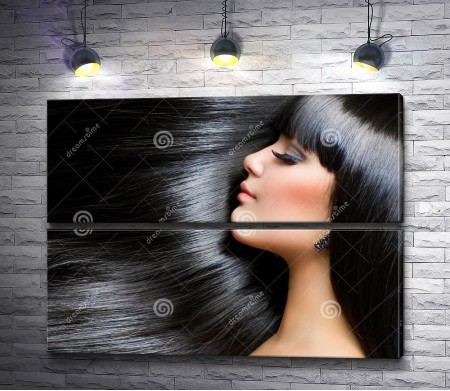 Брюнетка с красивыми волосами