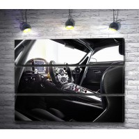 Стильный салон автомобиля Mercedes-AMG GT