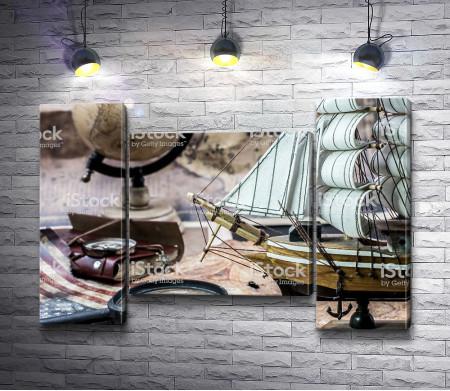 Стол историка с кораблем и глобусом