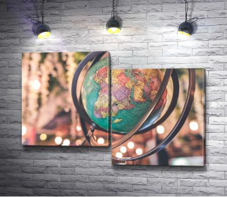 Глобус с административной картой мира