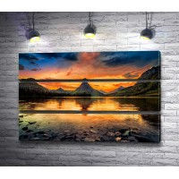 Закат над горным озером