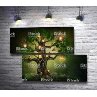 Дерево со светящимися домиками