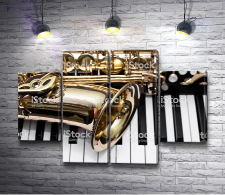 Саксофон и пианино