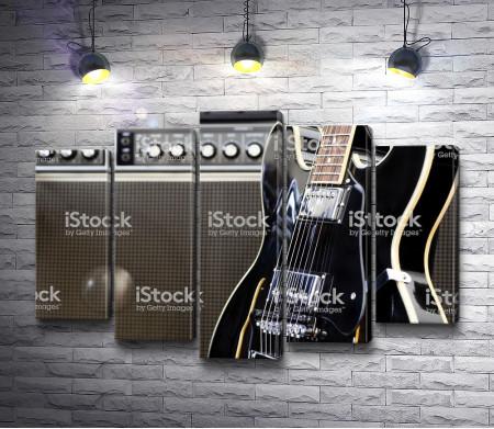 Гитара у колонки