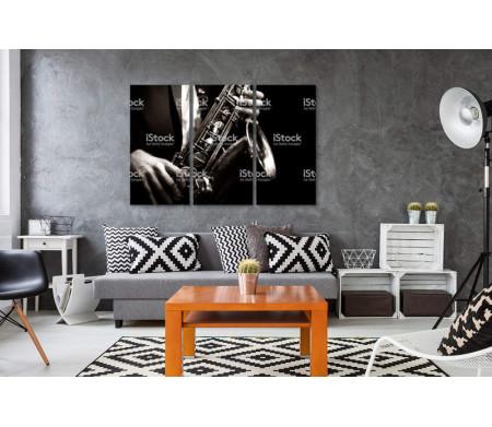 Саксофон в черно-белой гамме