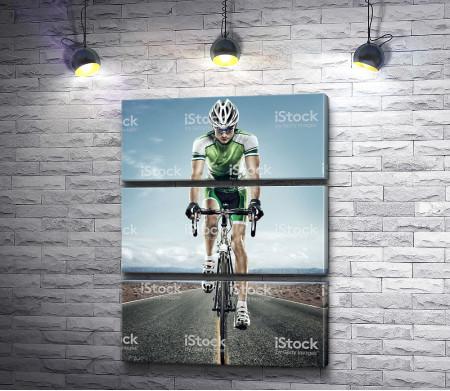 Спортсмен на велотреке