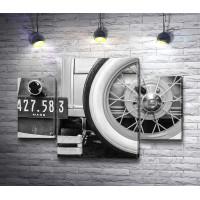 Запасное колесо ретро-автомобиля