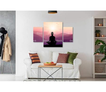 Медитация на фоне сиреневого неба