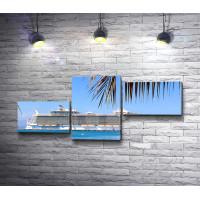 Обзорный вид на круизное судно Allure of the Seas