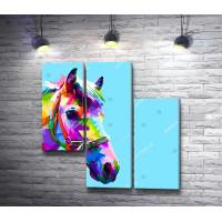 Цветная морда лошади на голубом фоне