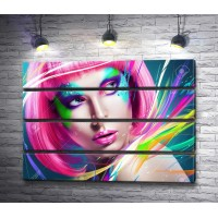 Девушка в розовом парике