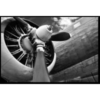 Красивое изображение мотора самолета с лопастями
