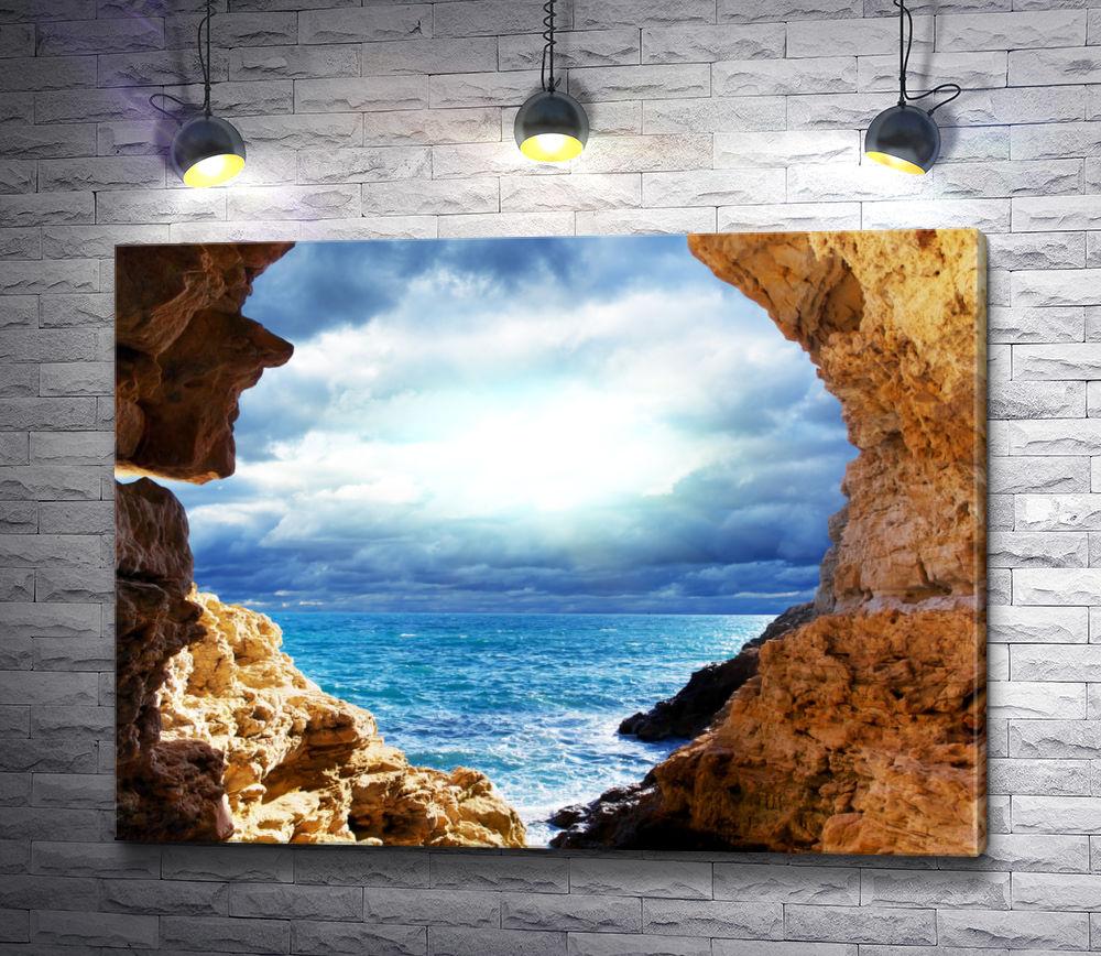 """Картина """"Вид из каменной арки на море"""""""