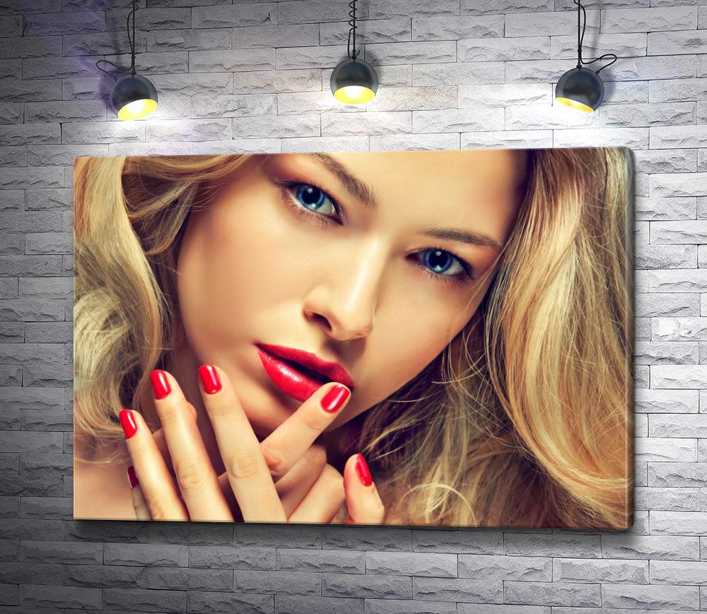 """Картина """"Блондинка с красивым макияжем"""""""