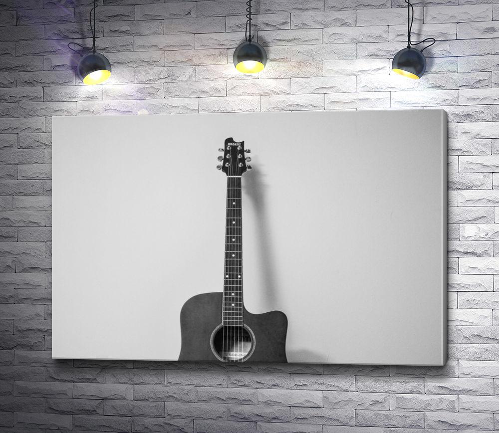 """Картина """"Гитара у стены"""""""