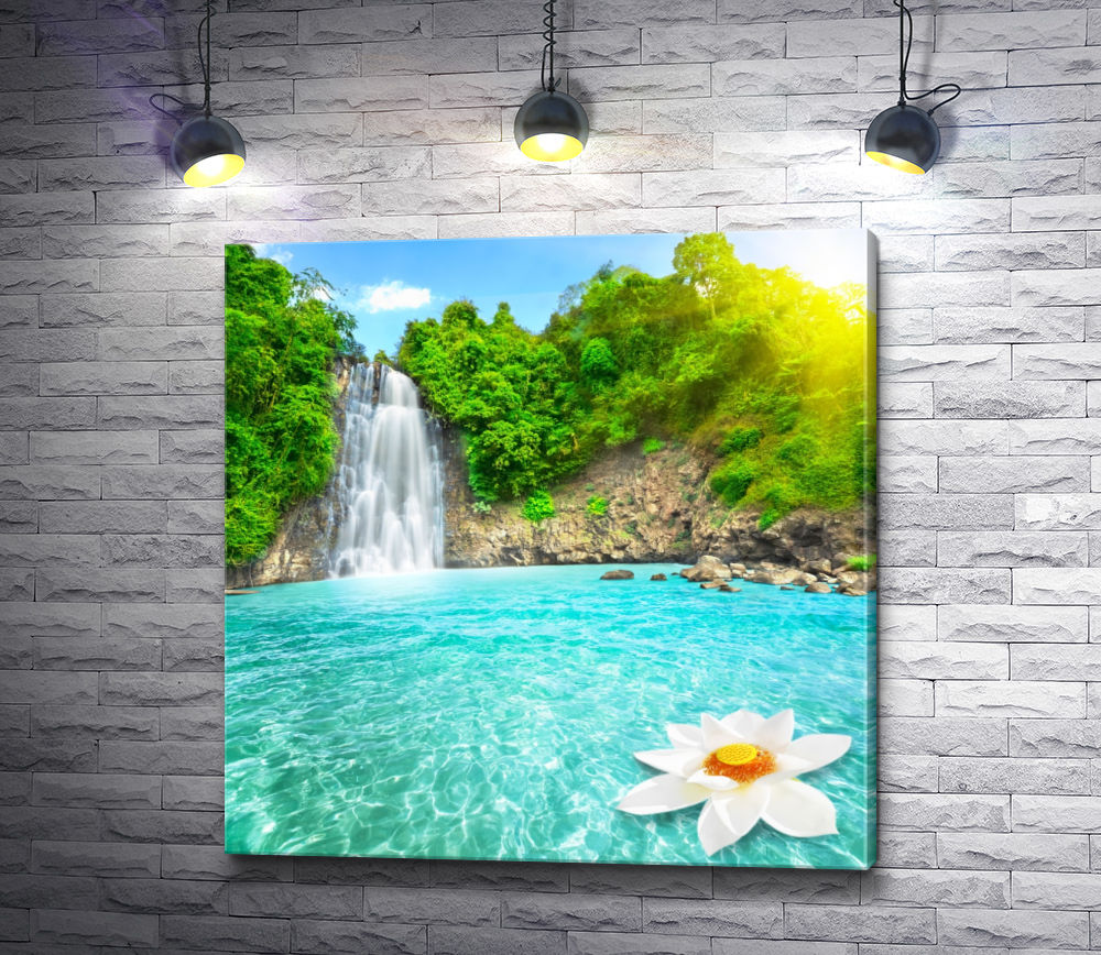 "Картина ""Водопад в солнечном свете"""