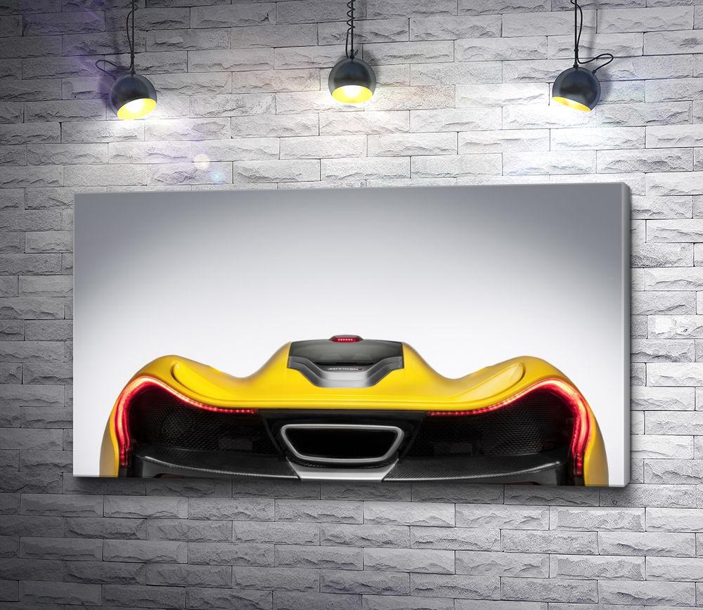 """Картина """"Желтый суперкар McLaren P1 крупным планом"""""""