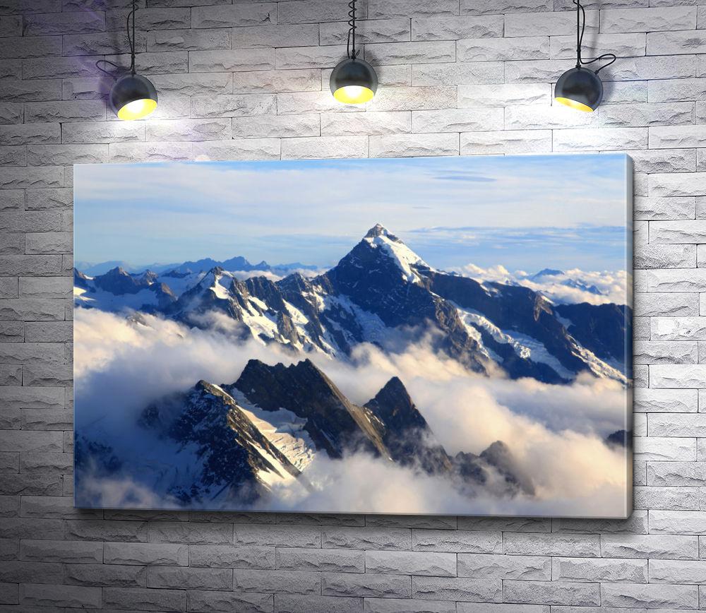 """Картина """"Вершина горы в облаках"""""""