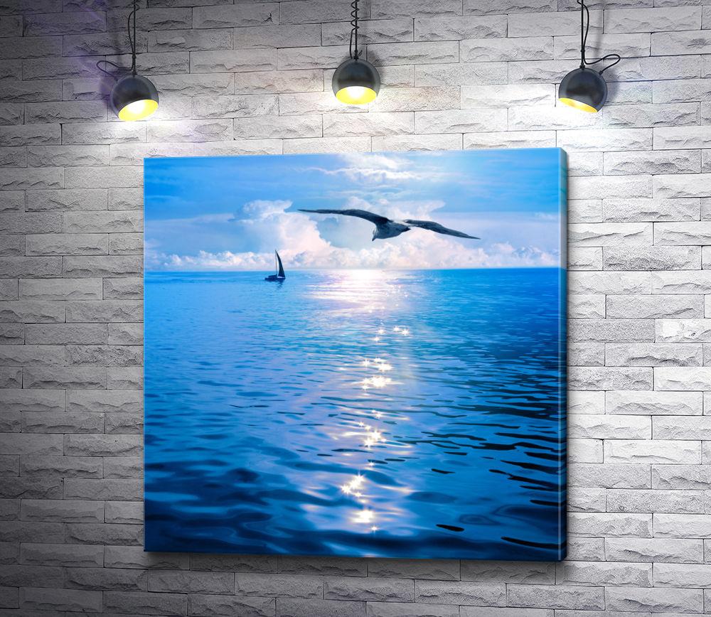 "Картина ""Птица парит над морской гладью """