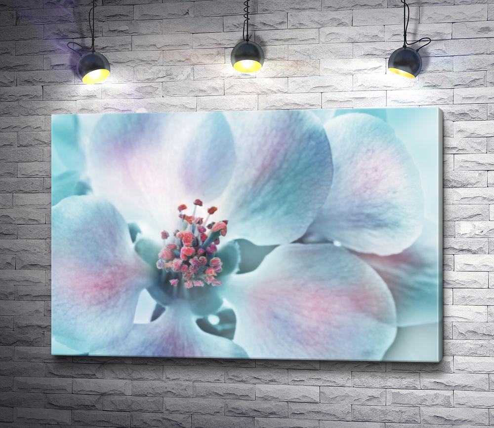 """Картина """"Весенний цветок. Макросъемка"""""""