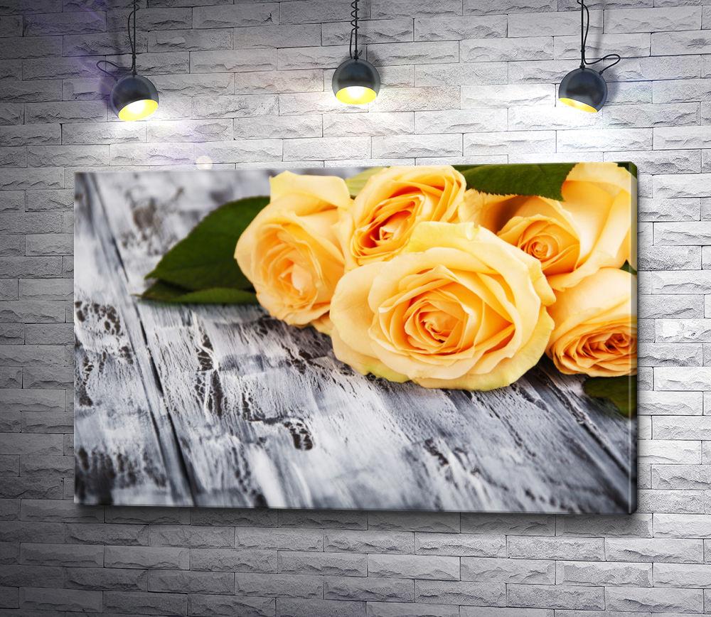 """Картина """"Желтые розы на деревянном столе"""""""