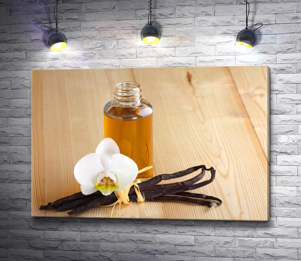 "Картина ""Стручки ванили,  цветок и парфюм на деревянном фоне """