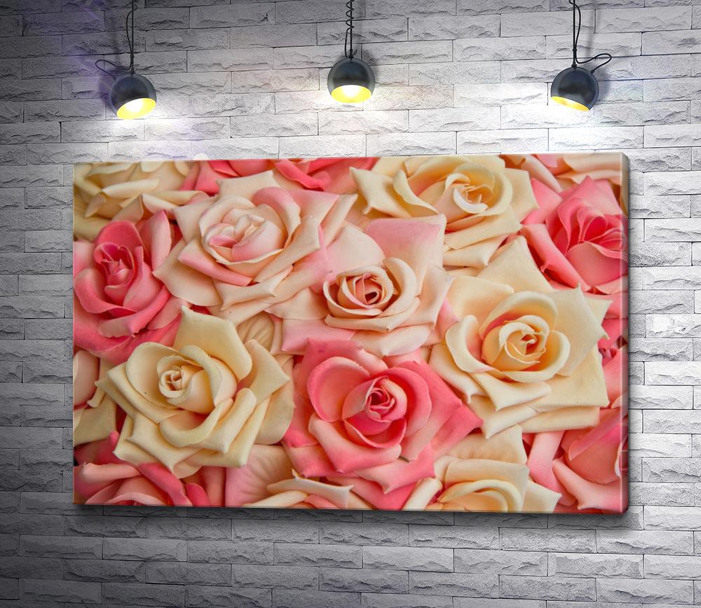 """Картина """"Бутоны роз разного оттенка"""""""