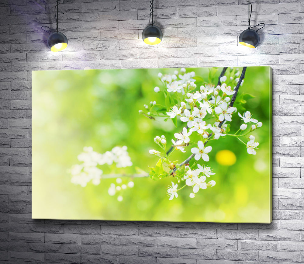 "Картина ""Яблоневая ветка на зеленом фоне"""