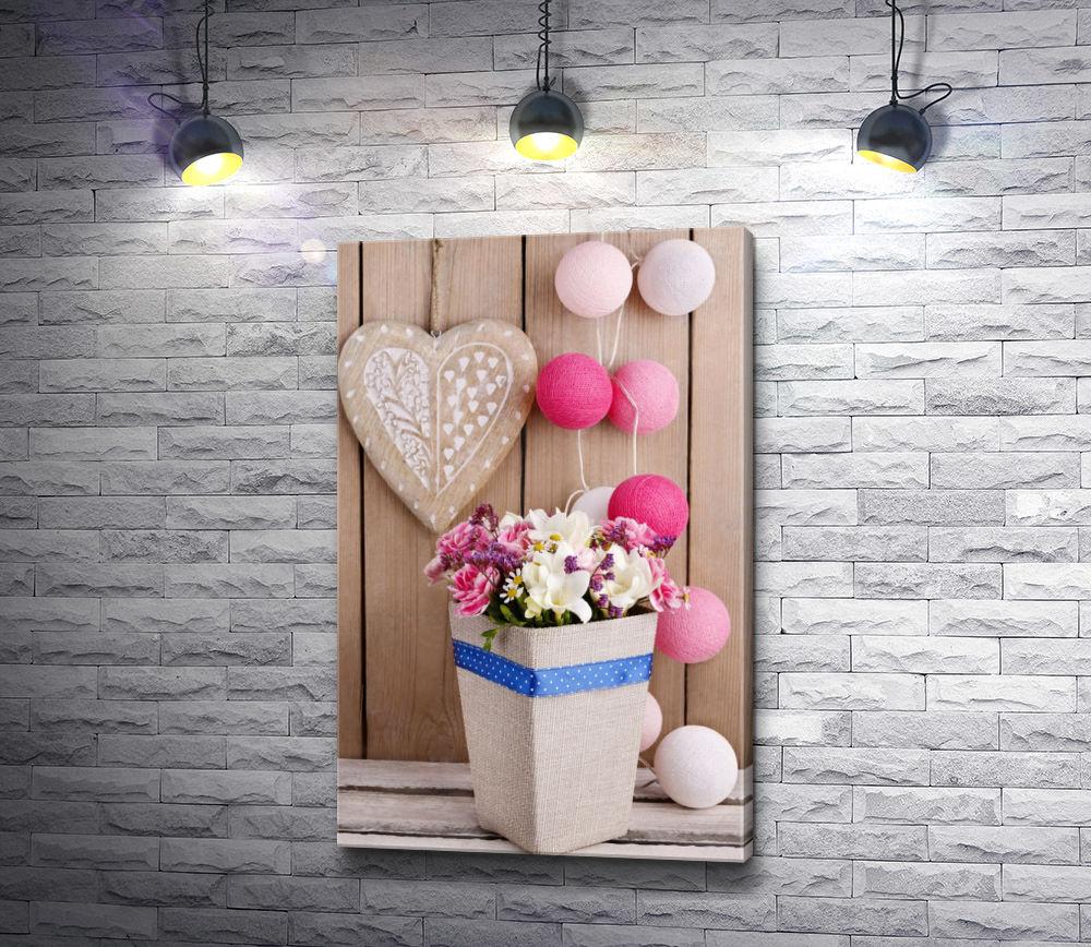 "Картина ""Композиция из букета цветов, сердца и шариков"""