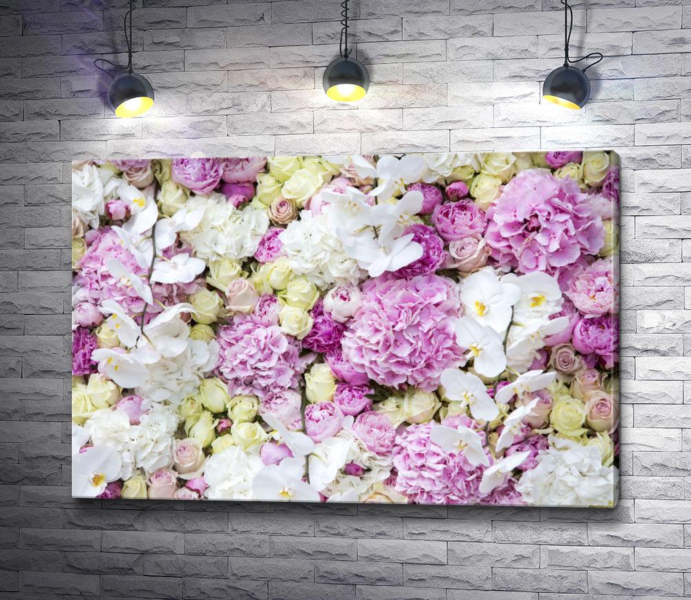 """Картина """"Белые орхидеи, сиреневые пионы и чайные розы"""""""