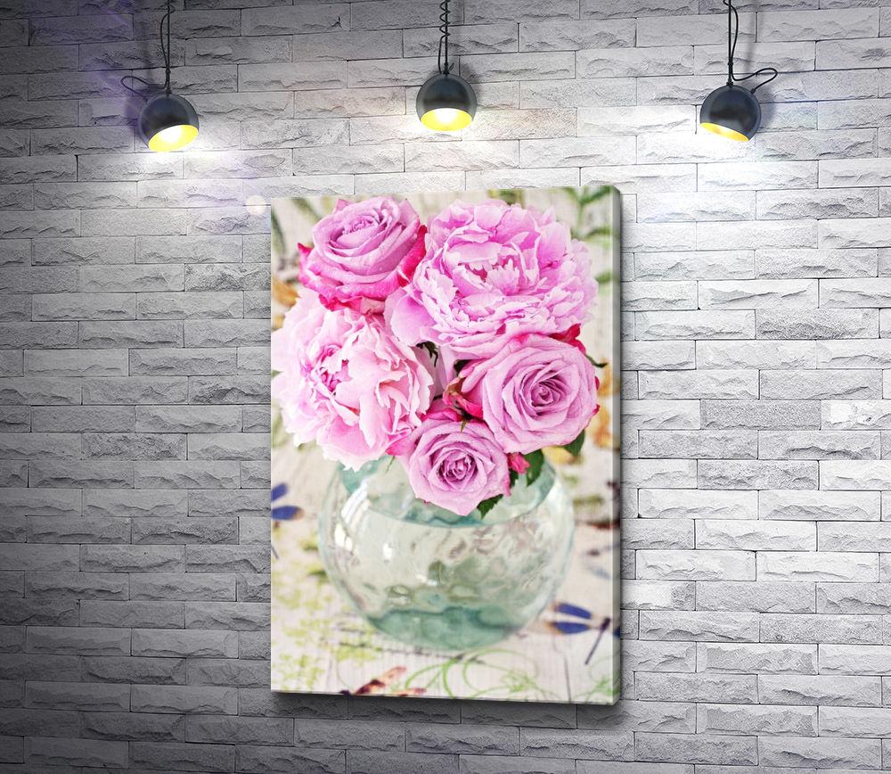 """Картина """"Букет из розовых пионов в стеклянной вазе"""""""