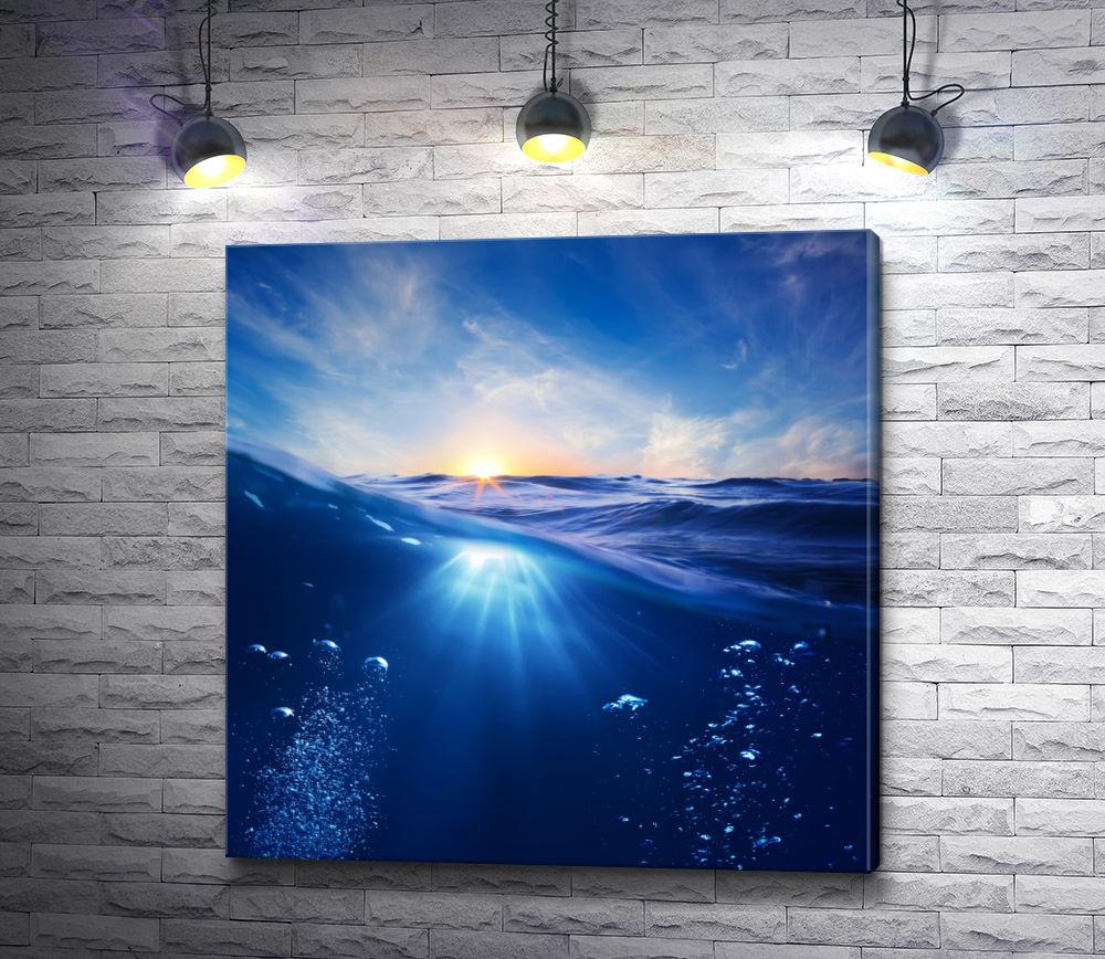"""Картина """"Солнечные лучи проникают сквозь толщу воды океана"""""""