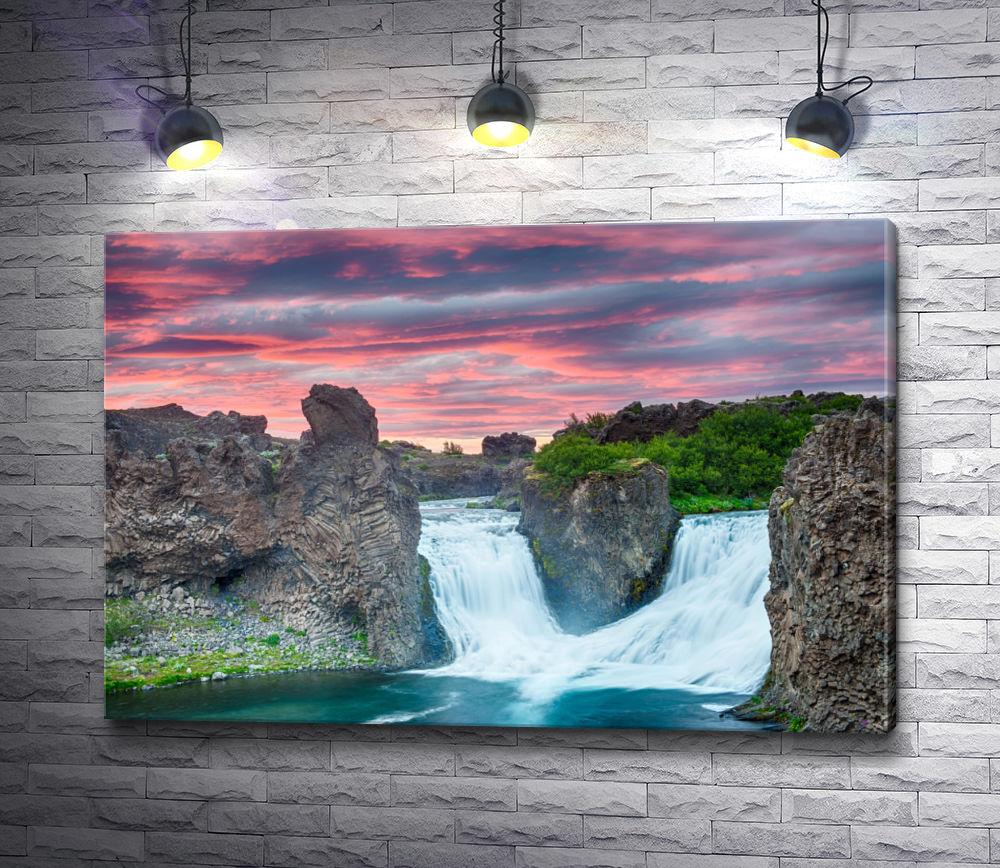 """Картина """"Водопад в закате"""""""