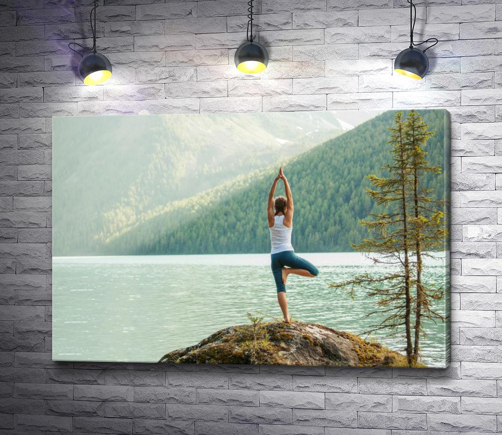 """Картина """"Девушка занимается йогой на берегу озера Байкал"""""""
