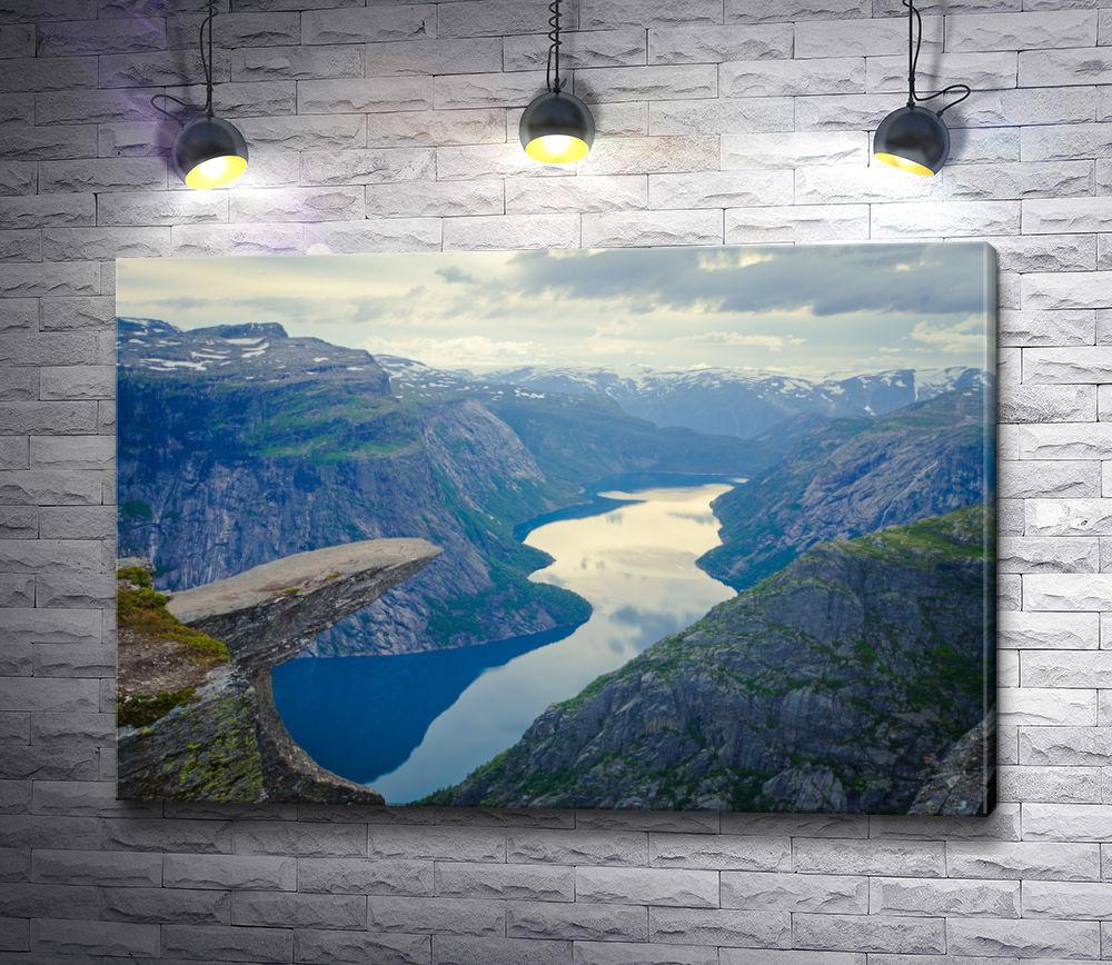 """Картина """"Фантастический вид на каменный выступ Язык Тролля, Норвегия"""""""