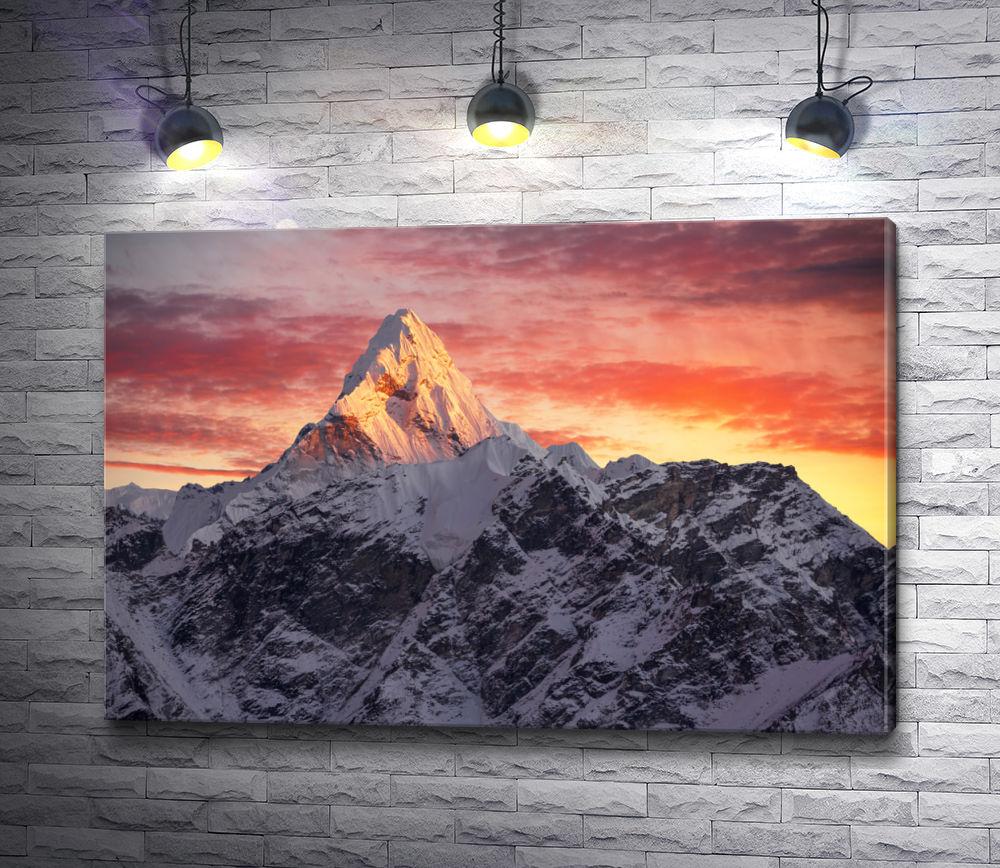 """Картина """"Шапка горы в лучах заката"""""""