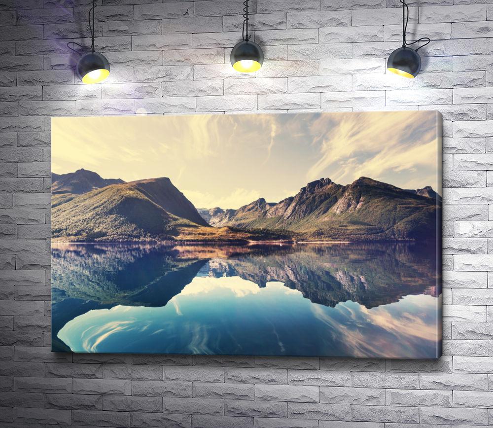 """Картина """"Отражение гор в зеркальном озере"""""""