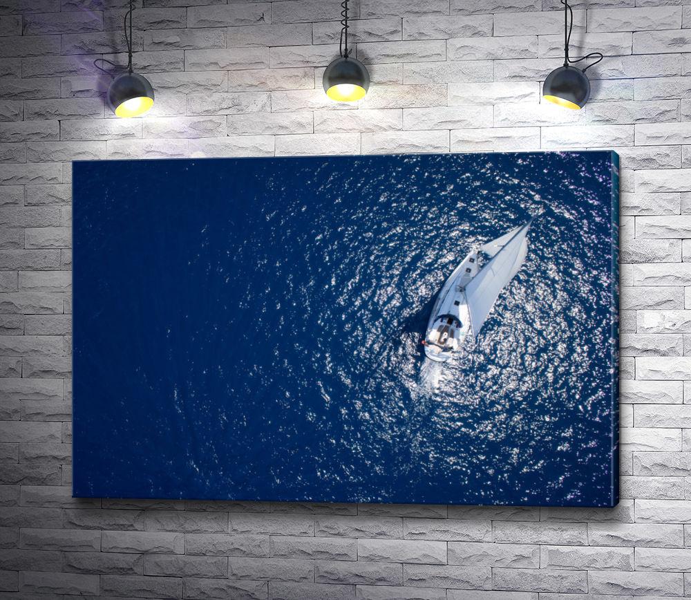"""Картина """"Яхта в голубом океане, вид сверху"""""""
