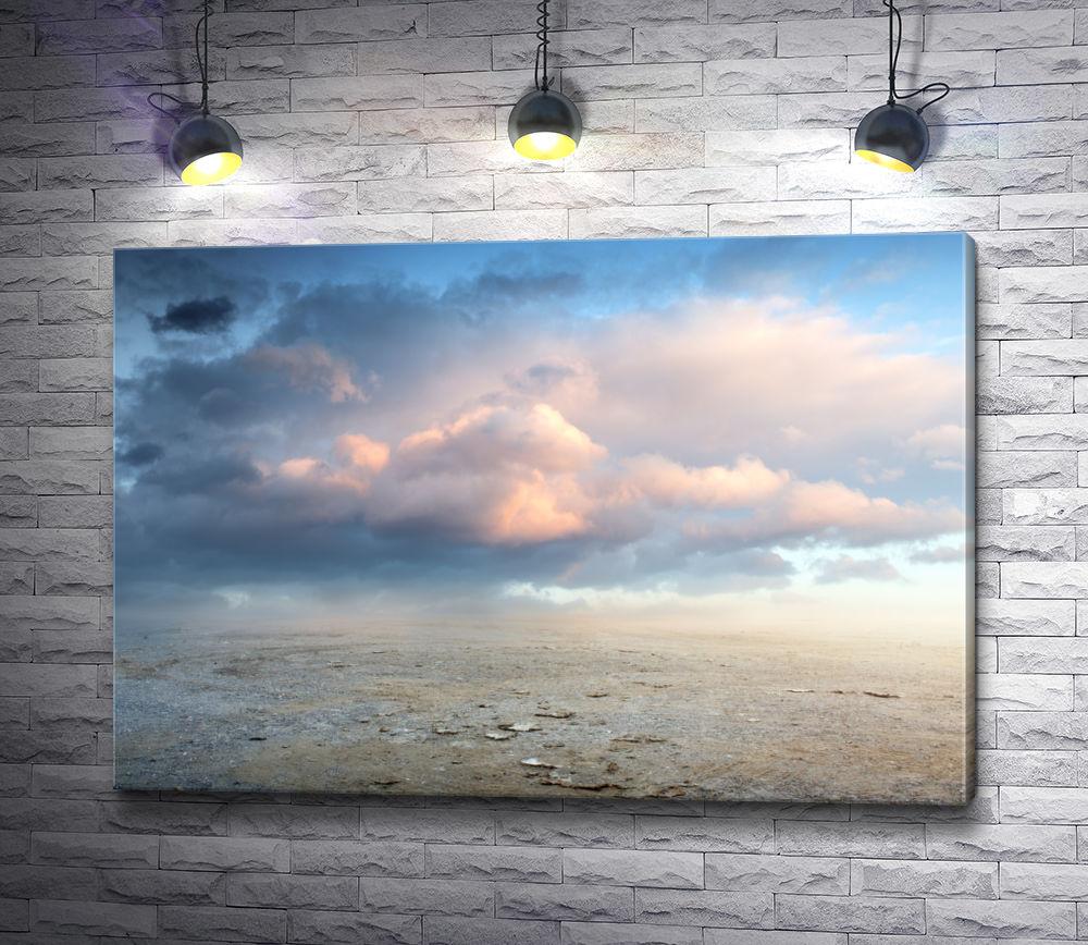 """Картина """"Небо в облаках над пустынным ландшафтом"""""""