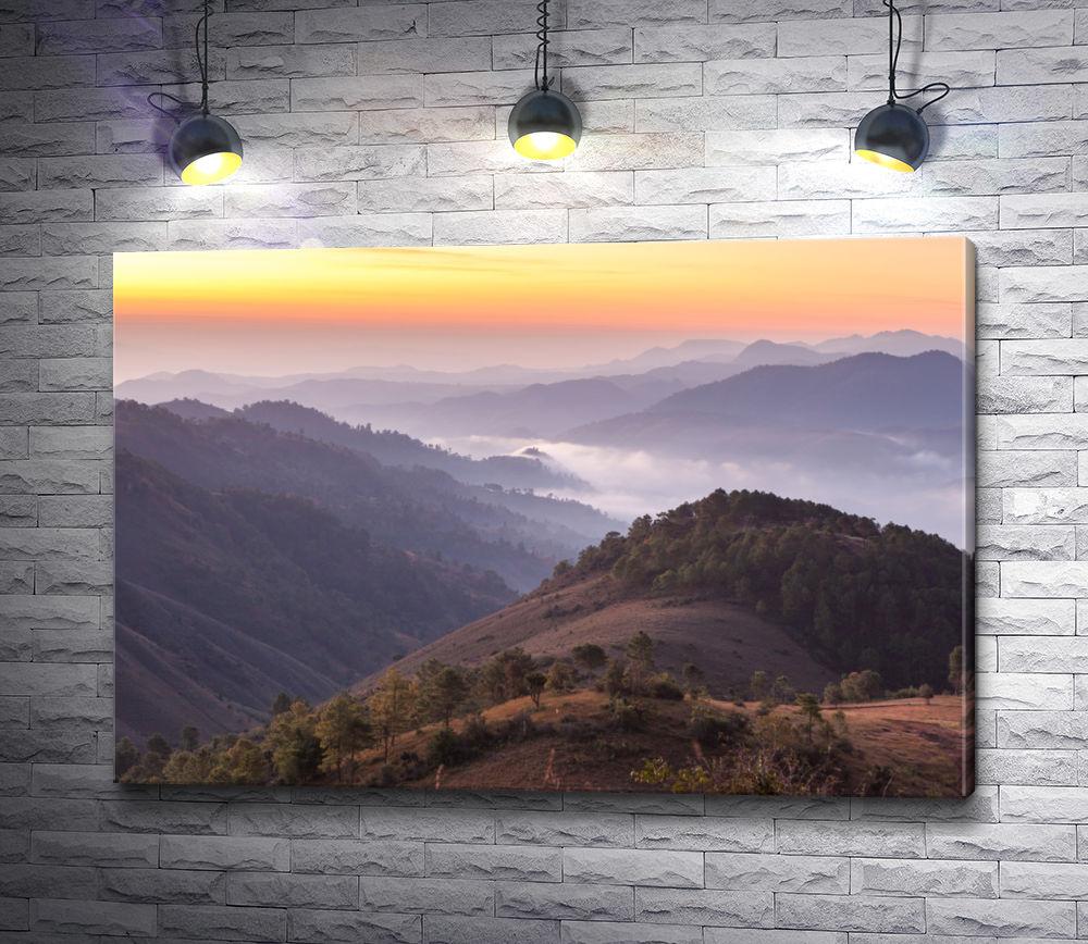 """Картина """"Вершины горного хребта в закате"""""""