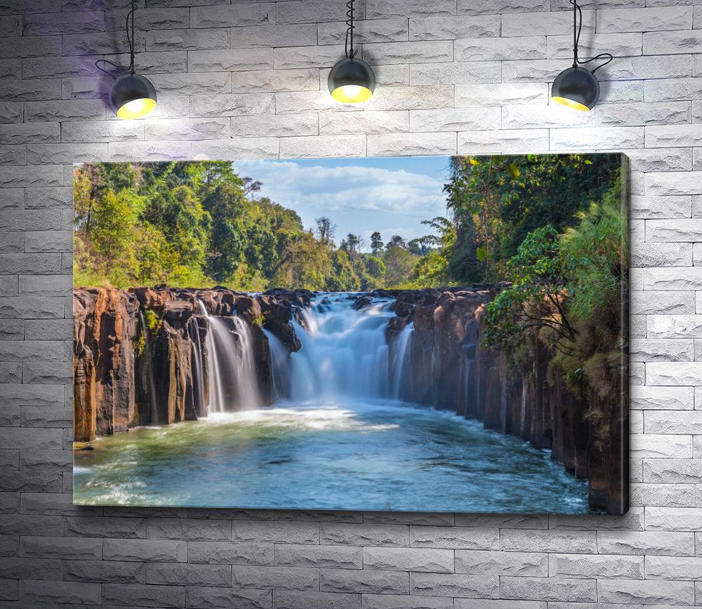 "Картина ""Ландшафт с каскадом водопадов Тад Фан в Лаосе"""