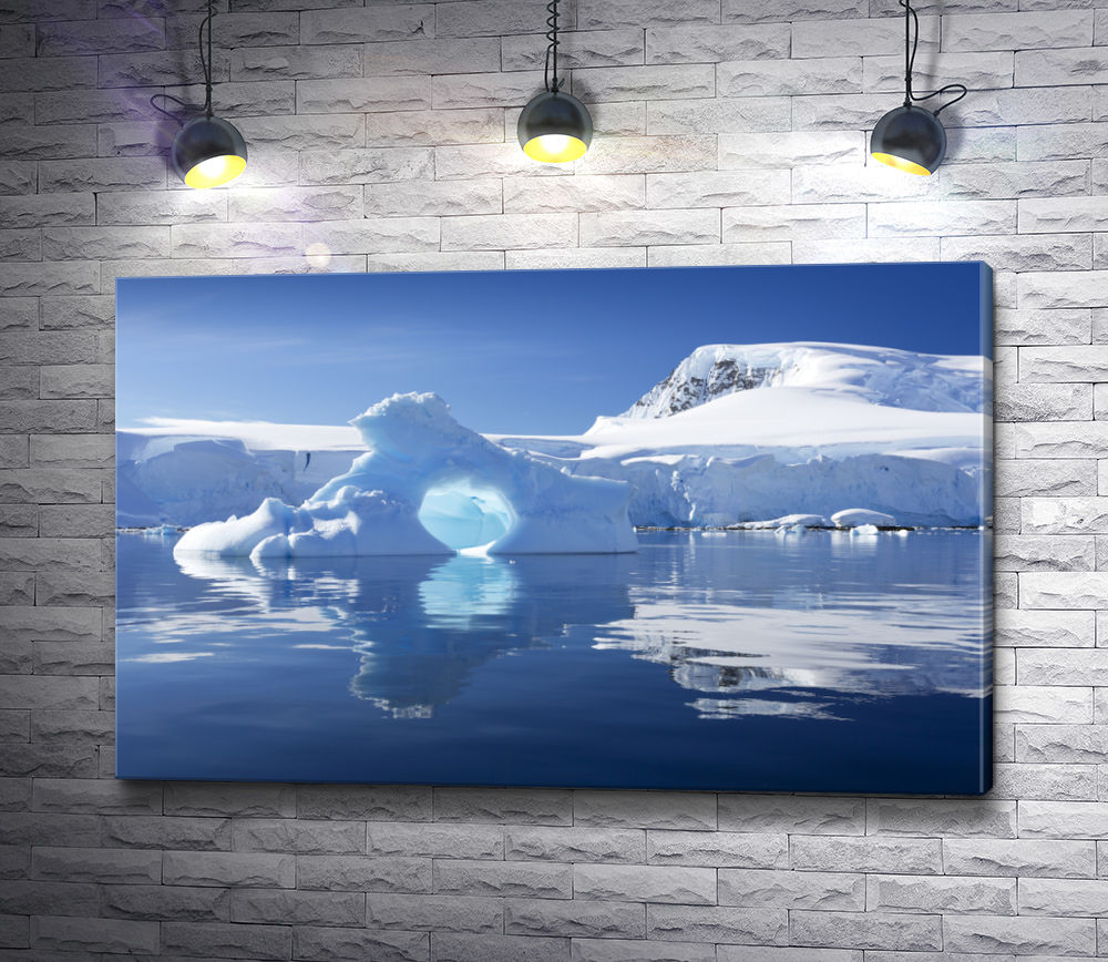 "Картина ""Ледник в Антарктике"""