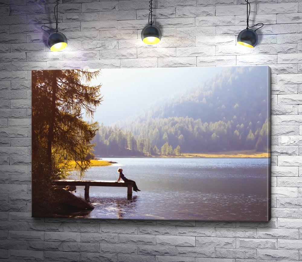 """Картина """"Девушка на причале. Озеро Морейн, Канада"""""""